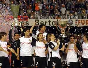 http://www.soccer.ru/images/upload/Liga_2003-2004_Valencia_repite_anos_despues.jpg