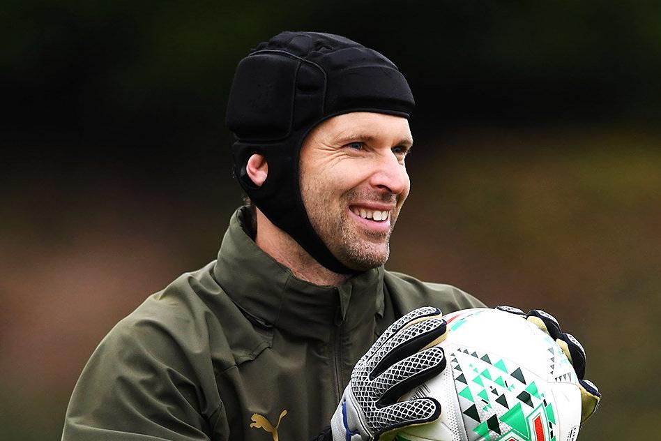 Кепка Яшина, шлем Чеха. 5 футболистов с незабываемыми атрибутами