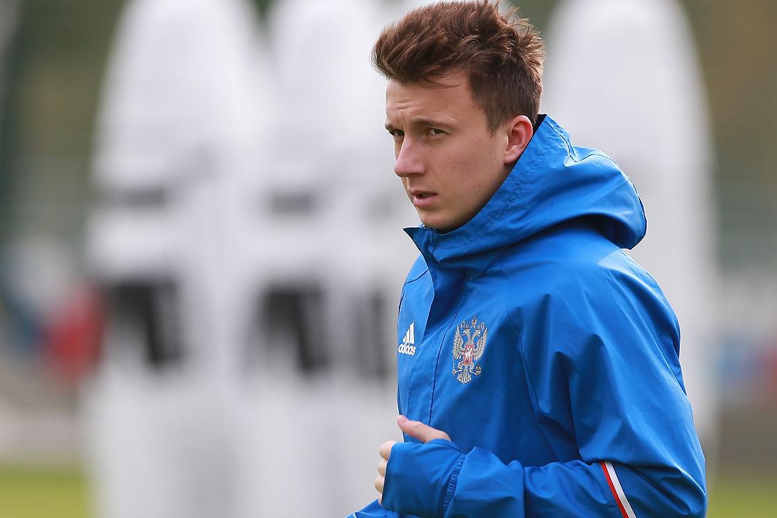 Лучшие молодые футболисты России