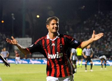 «Милан» обыграл «Сиену» и другие результаты
