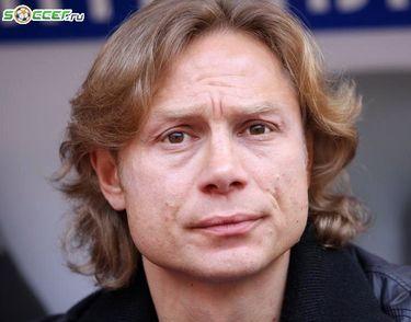 Валерий Карпин: «Люди спят в такое время, а здесь - в футбол играть пришлось...»