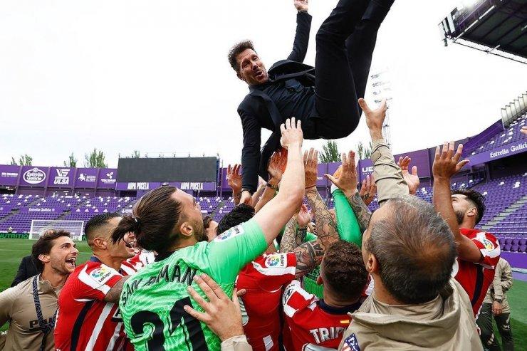 Диего Симеоне и игроки «Атлетико»