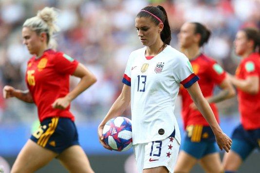 Женского футбола не существует