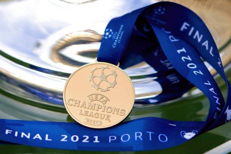 10 голов Холанда, возрастные рекорды Мукоко и Луческу. Яркие факты Лиги чемпионов 2020/21