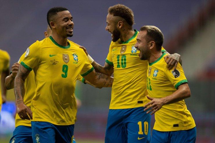 Многострадальный Кубок Америки стартовал с разгромной победы Бразилии. Всё, что нужно знать о заокеанском турнире