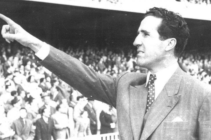 Главный тренер «Атлетико» Мадрид в 1951 году - Эленио Эррера