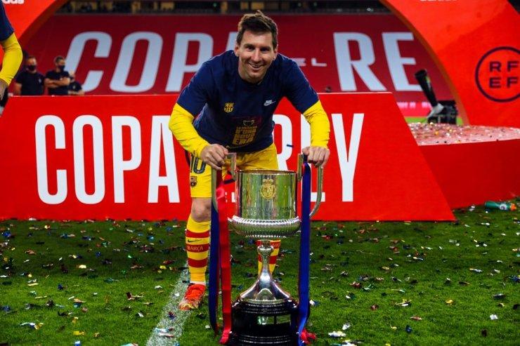 У Месси теперь 35 трофеев с «Барселоной». Обошел Гиггза и стал мировым рекордсменом