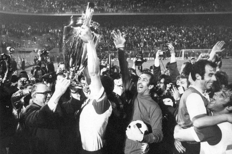 «Фейеноорд» празднует победу в КЕЧ-1969/70