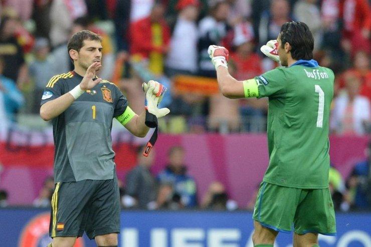 Разгром в финале Евро, переигровка на ЧМ и судейские скандалы. Великие матчи Италии и Испании