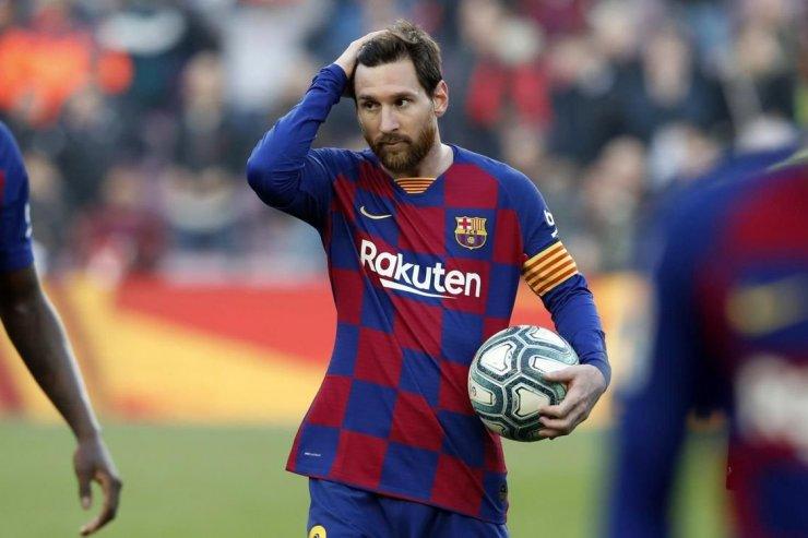 Месси не уйдет из «Барселоны». Хотя стоило бы