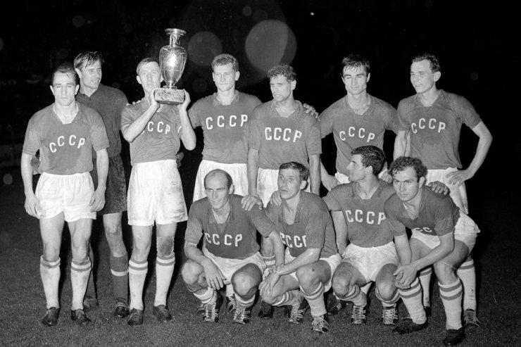 Сборная СССР после финала чемпионата Европы 1960 года