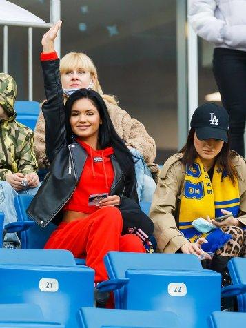 Радость Хашимото, Терентьев с наградой и традиционное фото после победы. «Ростов» разгромил тульский «Арсенал»