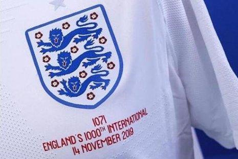 Юбилейная футболка сборной Англии